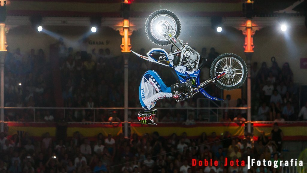 Salto Red Bull X-Fighters 2015 Madrid