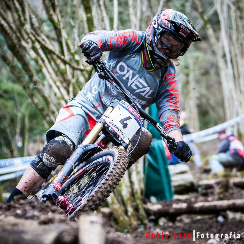 Greg Minnar en World Cup Uci DH Lourdes