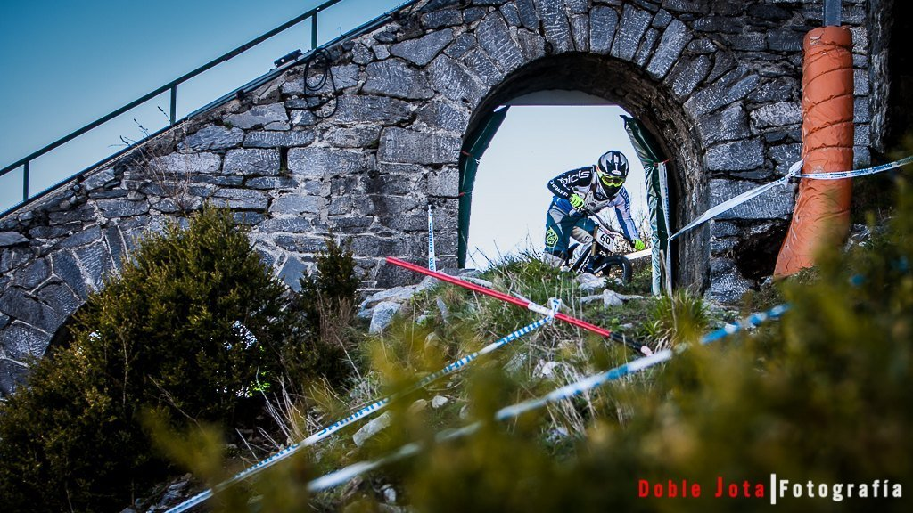 Edgar Carballo en World Cup Uci DH Lourdes
