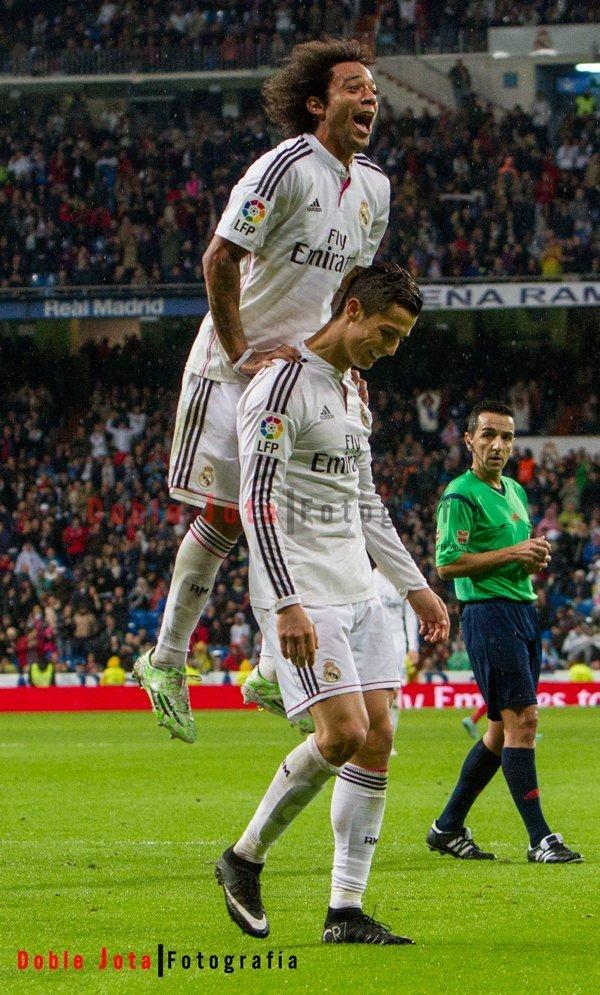 Marcelo y Cristiano celebrando el gol.