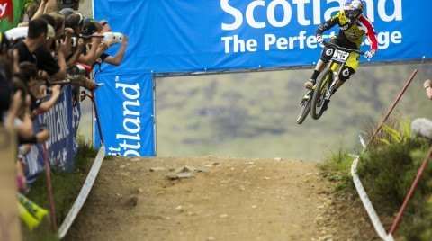 Elite mens winner Gee Atherton